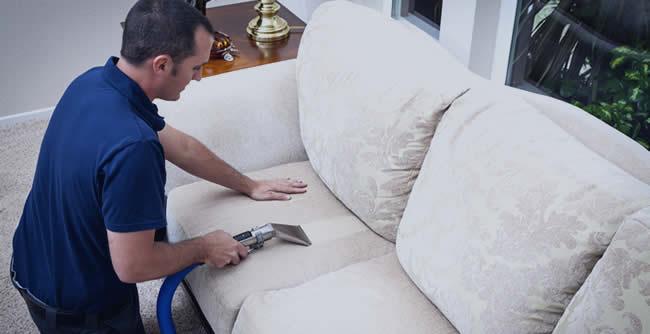 Limpeza e Lavagem Sofá